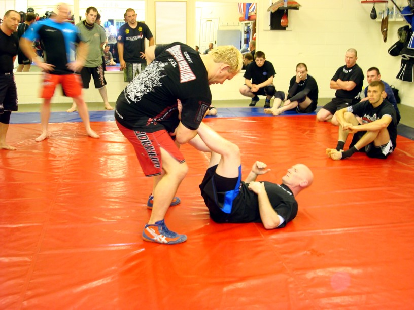 combat submission wrestling class